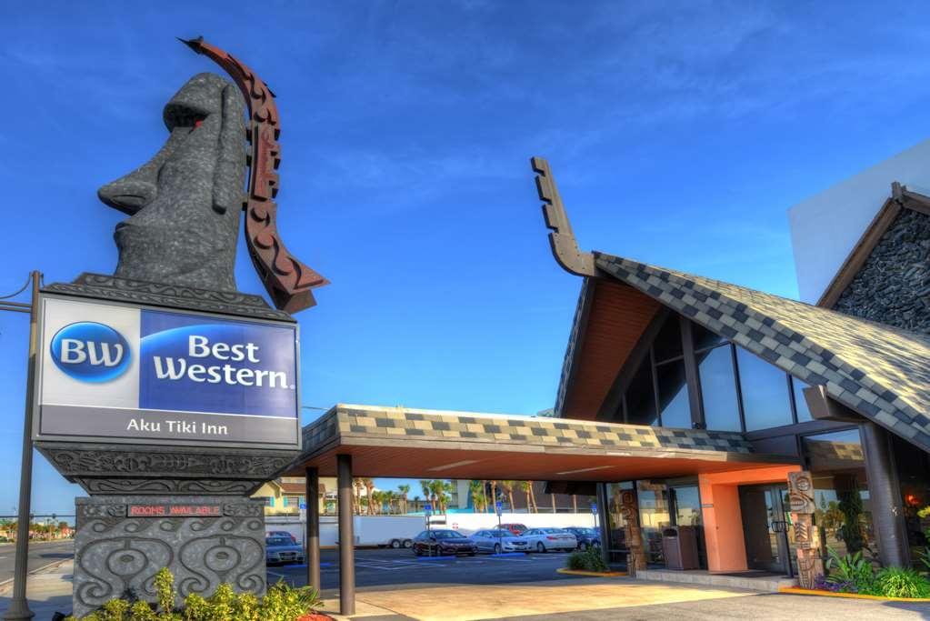 Best Western Aku Tiki Inn - Außenansicht