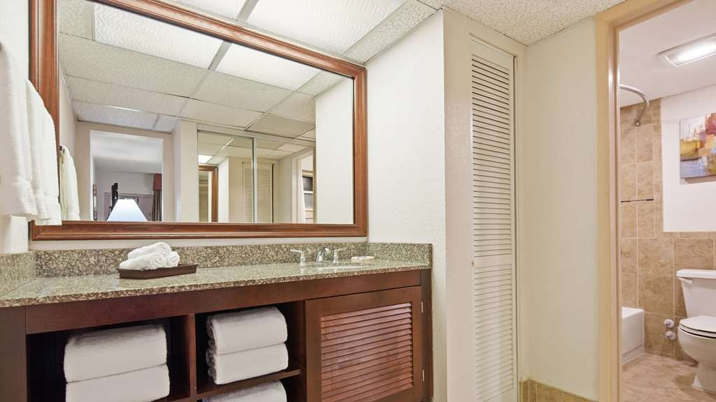 Best Western Plus University Inn - Salle de bain