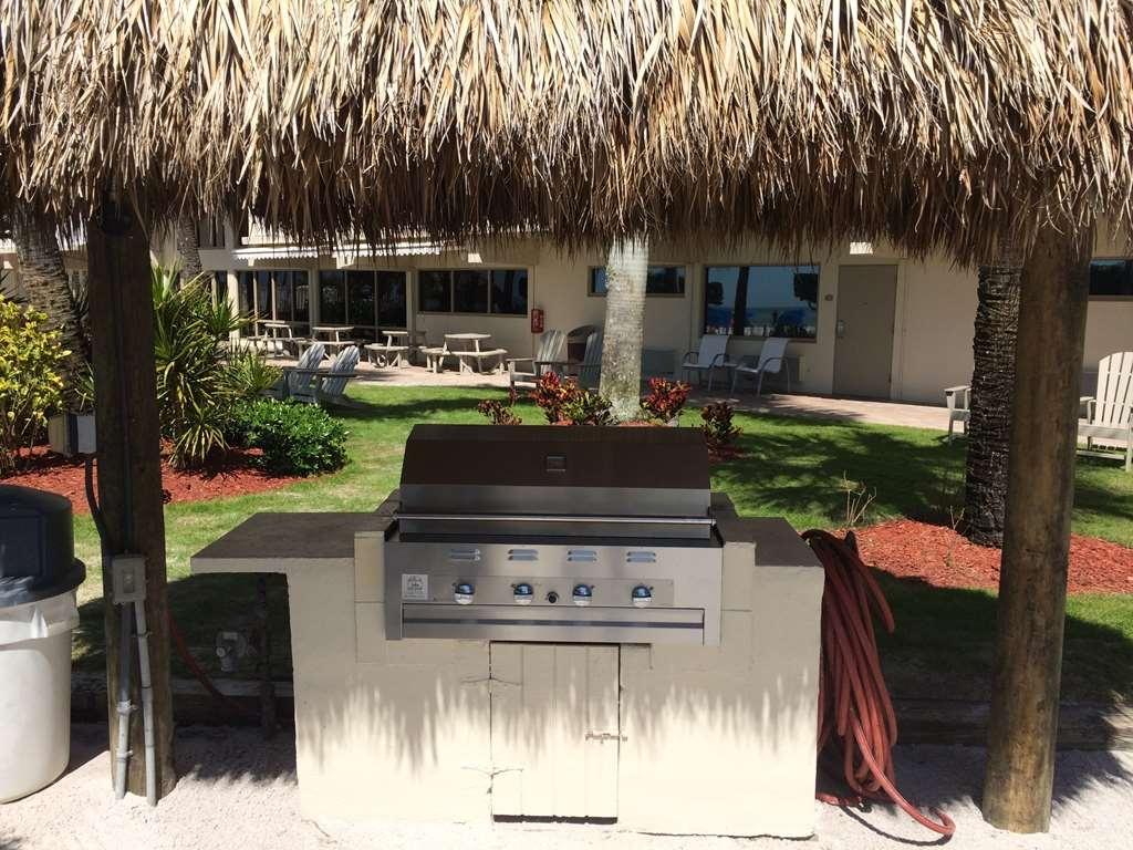 Best Western Plus Beach Resort - Palm Court BBQ Grill