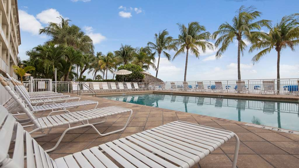 Best Western Plus Beach Resort - Vue de la piscine