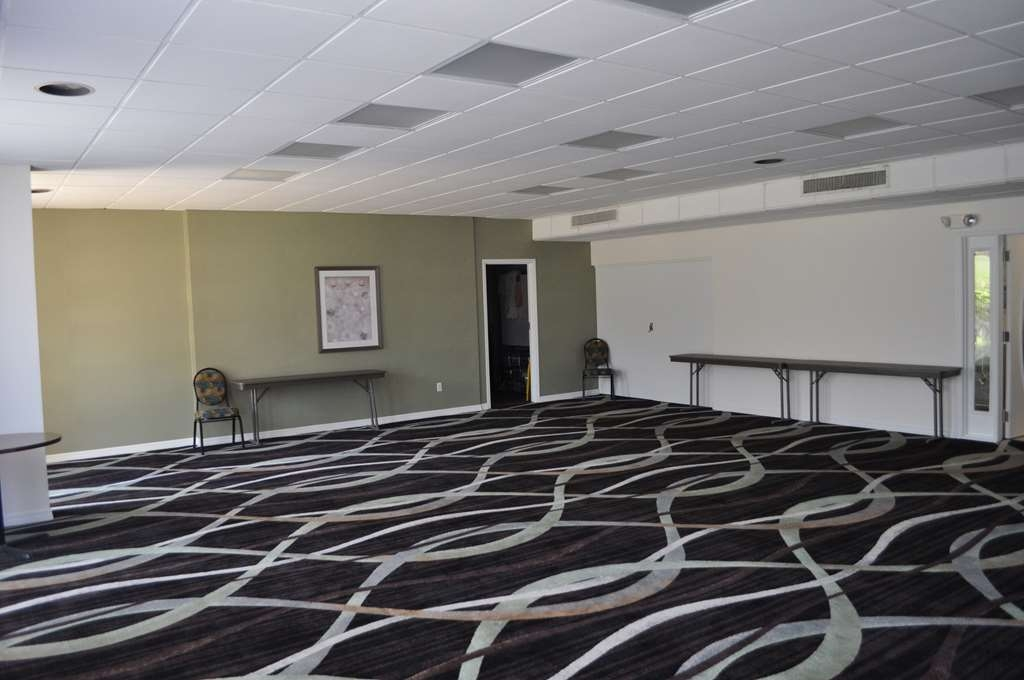 Best Western Cocoa Inn - Our meeting room is perfect for moderate sized gatherings, presentations or seminars.