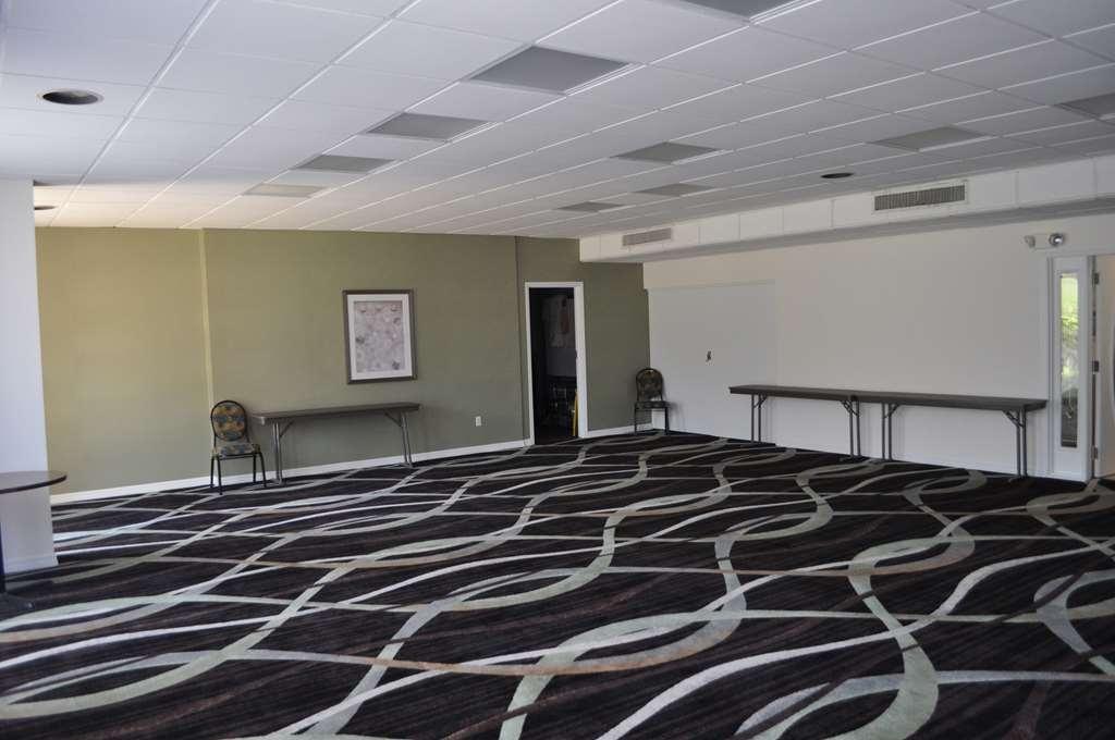 Best Western Cocoa Inn - Nuestra sala de reuniones es perfecta para reuniones, presentaciones o seminarios con un número moderado de invitados.