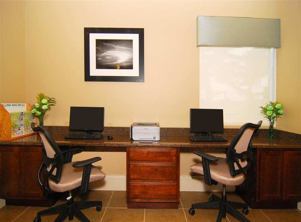 Best Western Space Shuttle Inn - Catch up with emails in our business center.
