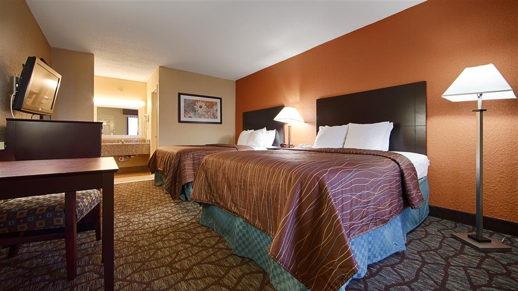 Best Western Starke - Relax after a long day of travel in our 2 queen guest room.