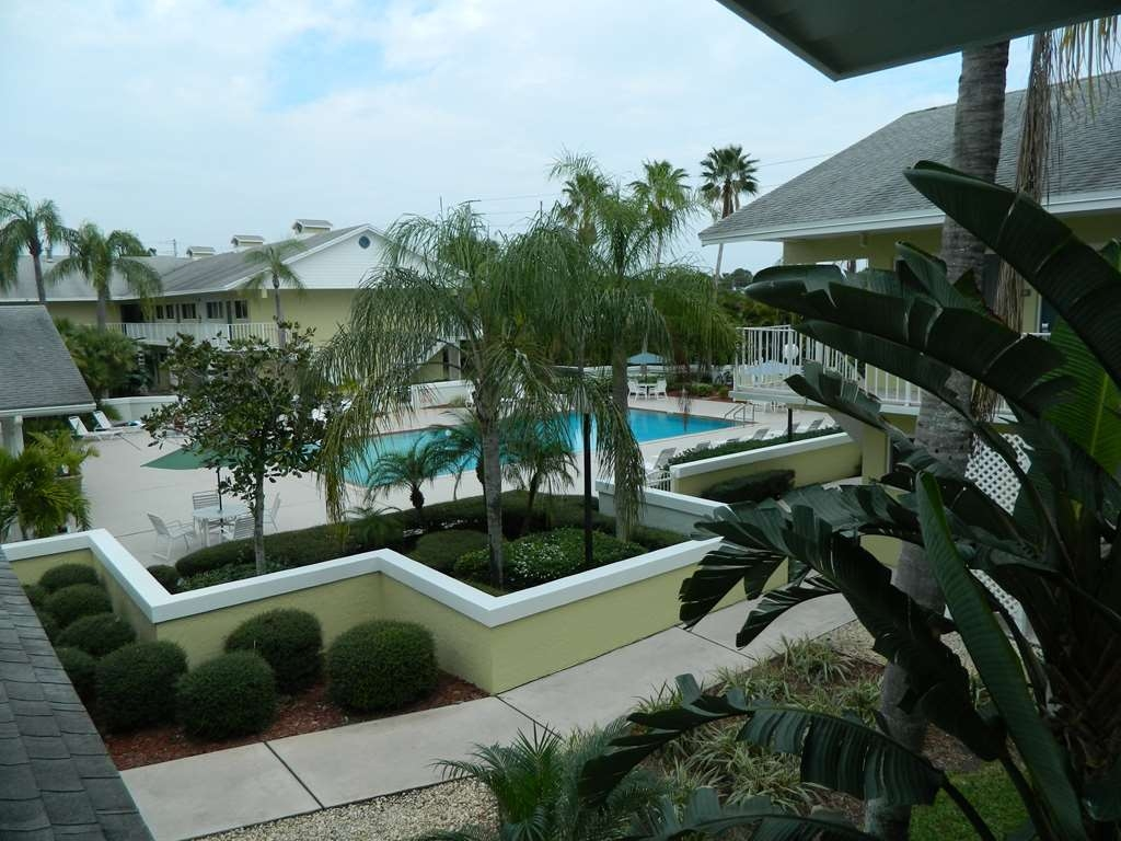 Best Western Port St. Lucie - Piscina