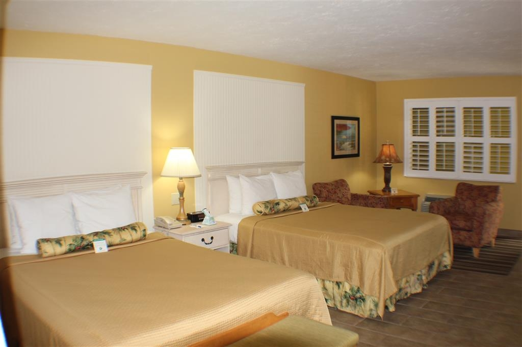 Best Western Hibiscus Motel - Relax after a long day of travels in our two queen guest room.