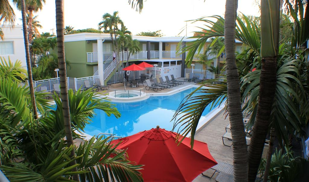 Best Western Hibiscus Motel - Swimming Pool and Hot Tub