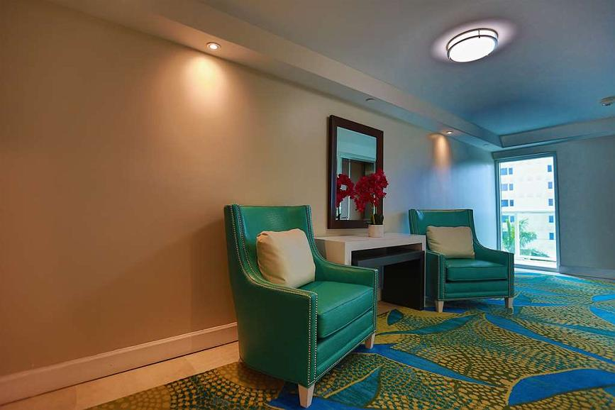 Amazing Hotel In Fort Lauderdale Best Western Plus Oceanside Inn Pabps2019 Chair Design Images Pabps2019Com