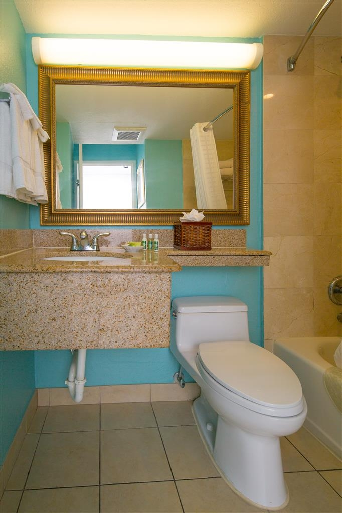 Best Western Plus Oceanside Inn - Salle de bains