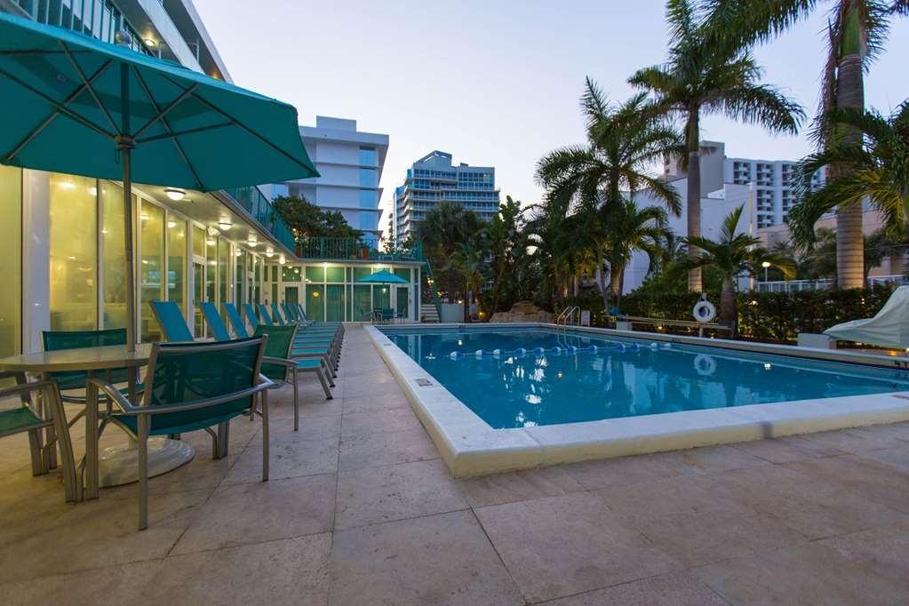 Best Western Plus Oceanside Inn - Outdoor Heated Swimming Pool