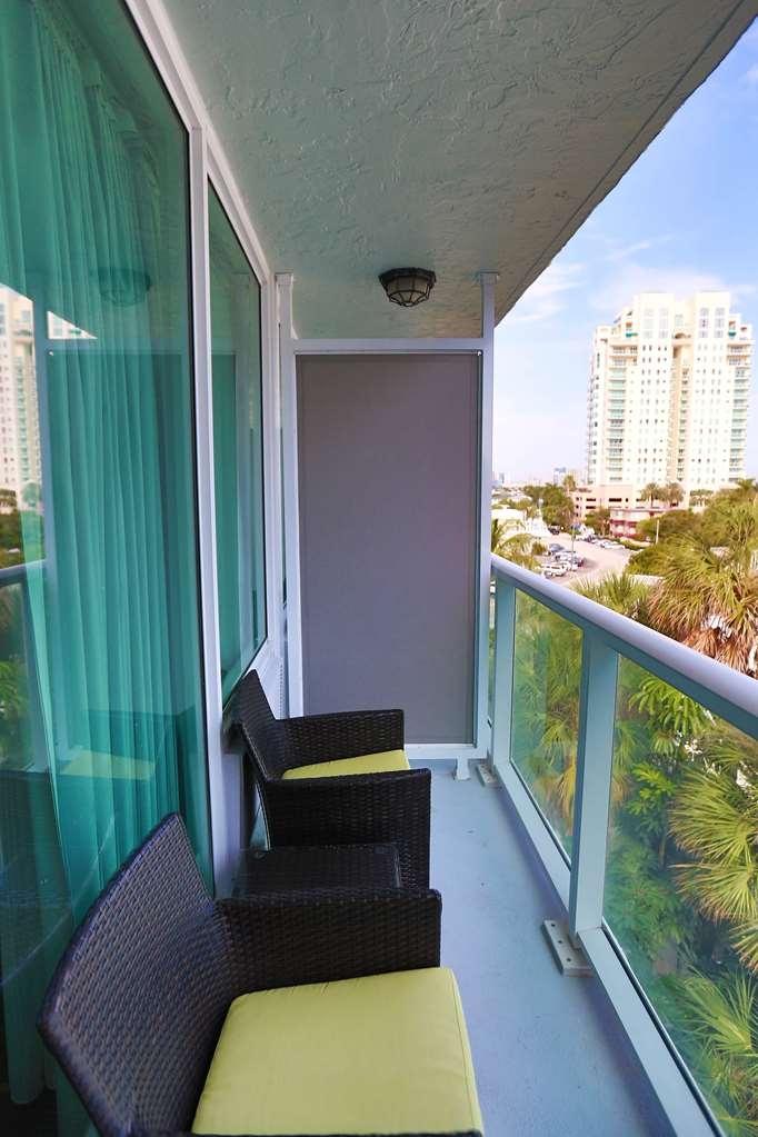 Best Western Plus Oceanside Inn - Guest Room Standard Balcony