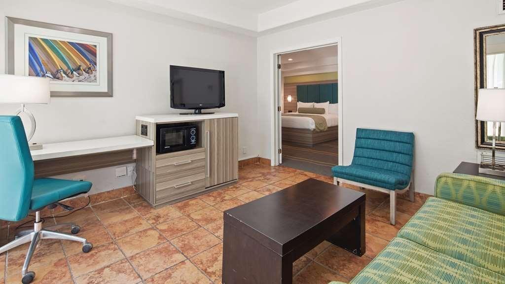 Best Western Plus Oceanside Inn - Suite