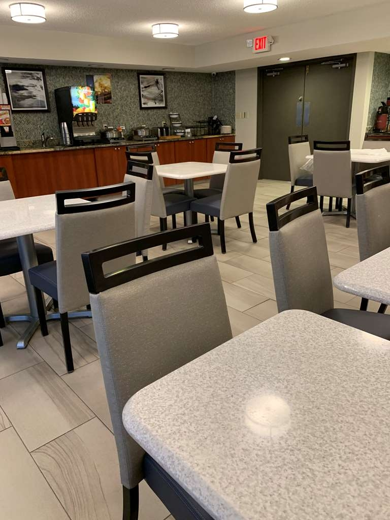 Best Western Tallahassee-Downtown Inn & Suites - BREAKFAST ROOM