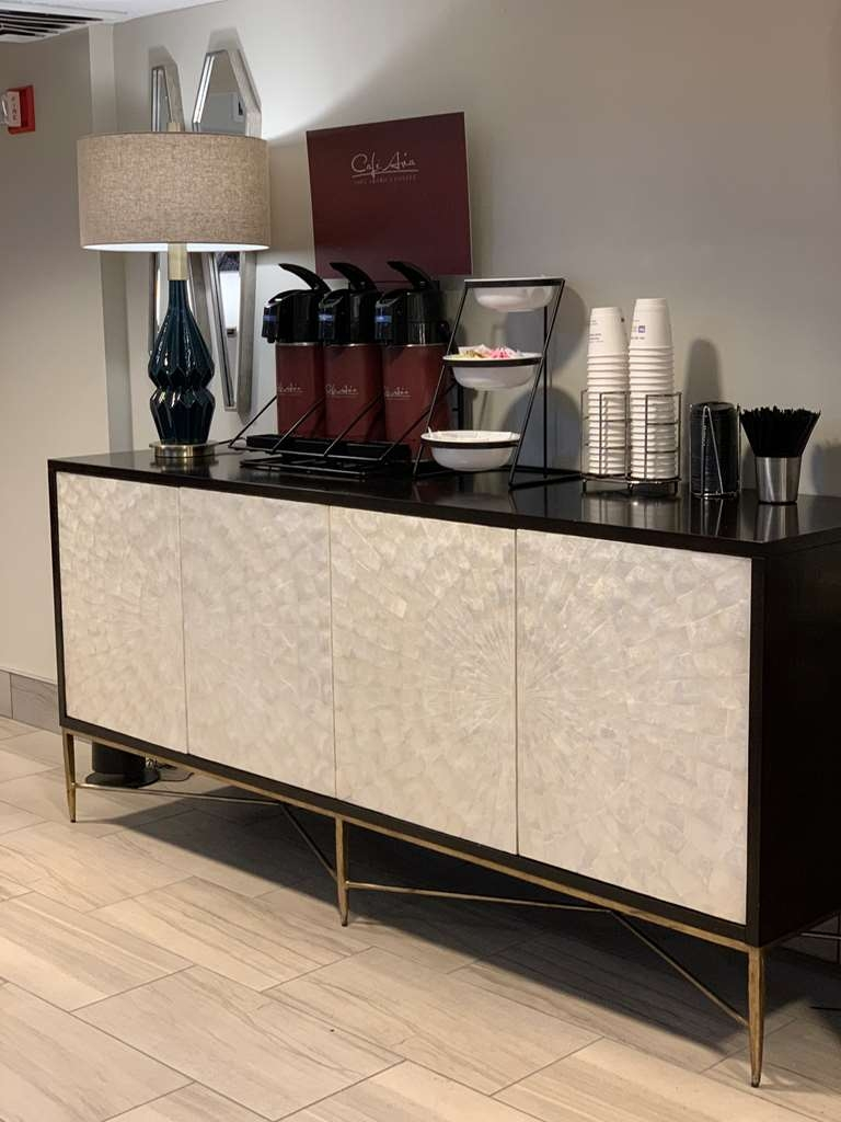Best Western Tallahassee-Downtown Inn & Suites - COFFEE STATION