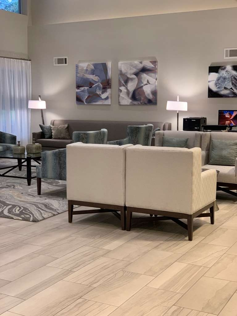 Best Western Tallahassee-Downtown Inn & Suites - LOBBY