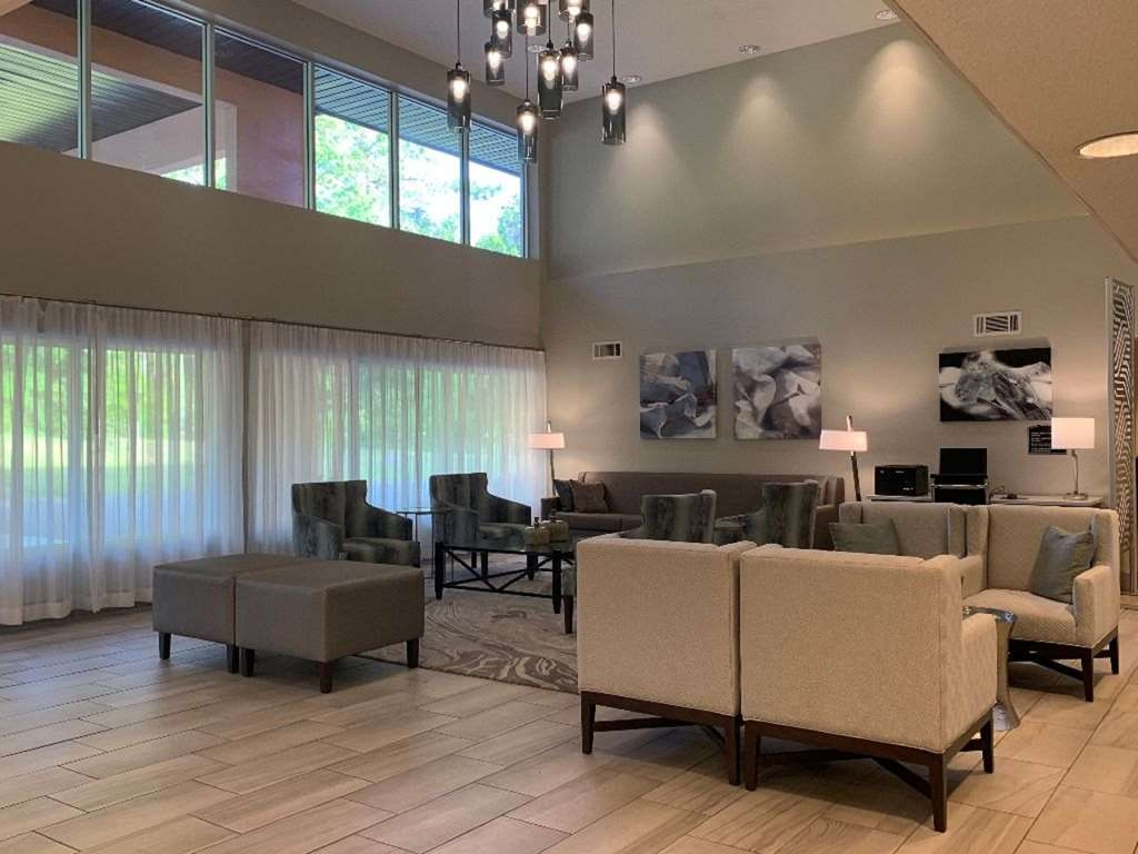 Best Western Tallahassee-Downtown Inn & Suites - Hall