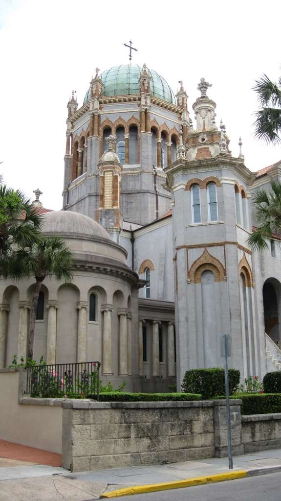 Best Western Historical Inn - The Memorial Presbyterian Church is a historic church. Built in 1889, by Henry Morrison Flagler and dedicated in honor of his daughter Jennie Louise Benedict, who died following complications from childbirth.