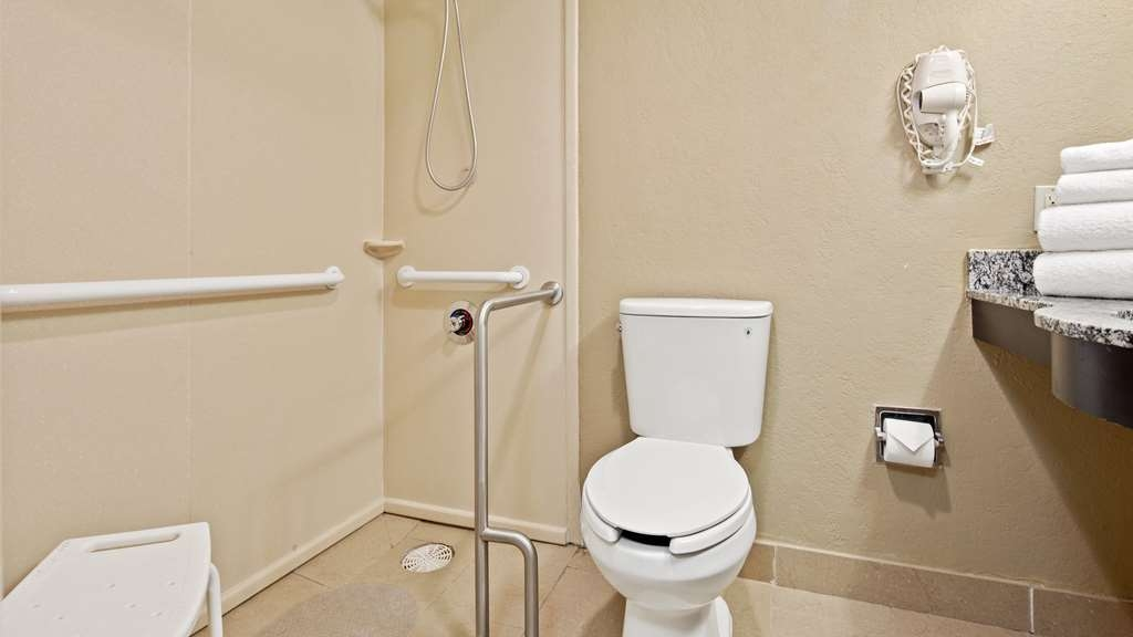 Best Western Palm Beach Lakes - Accessible Bathroom with roll-in shower