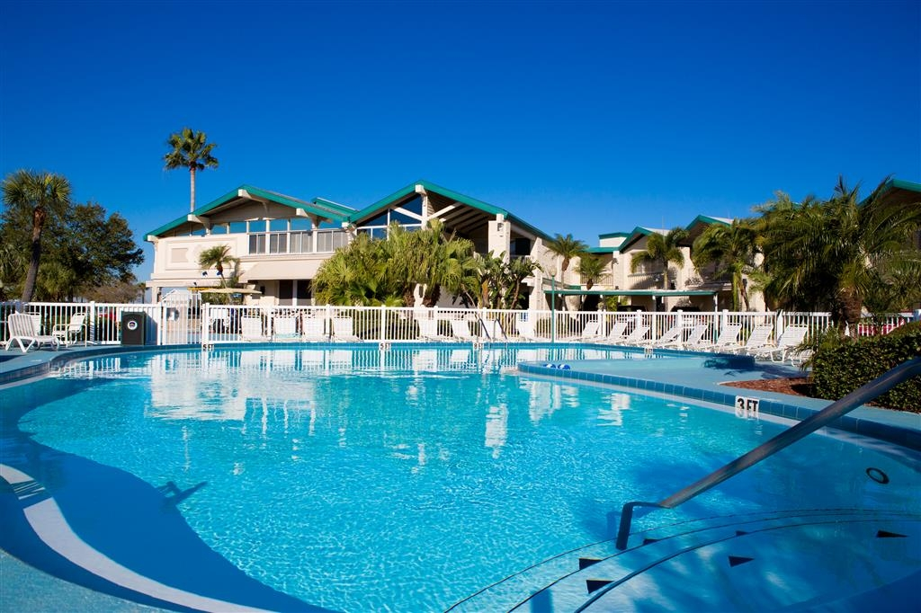 Best Western Plus Yacht Harbor Inn - Piscina