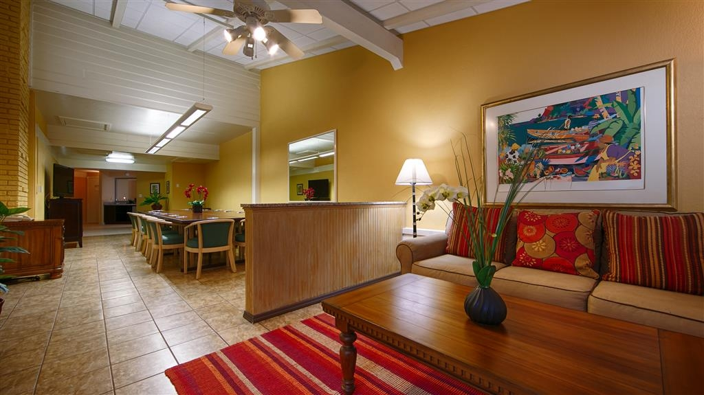 Best Western Plus Yacht Harbor Inn - Hall