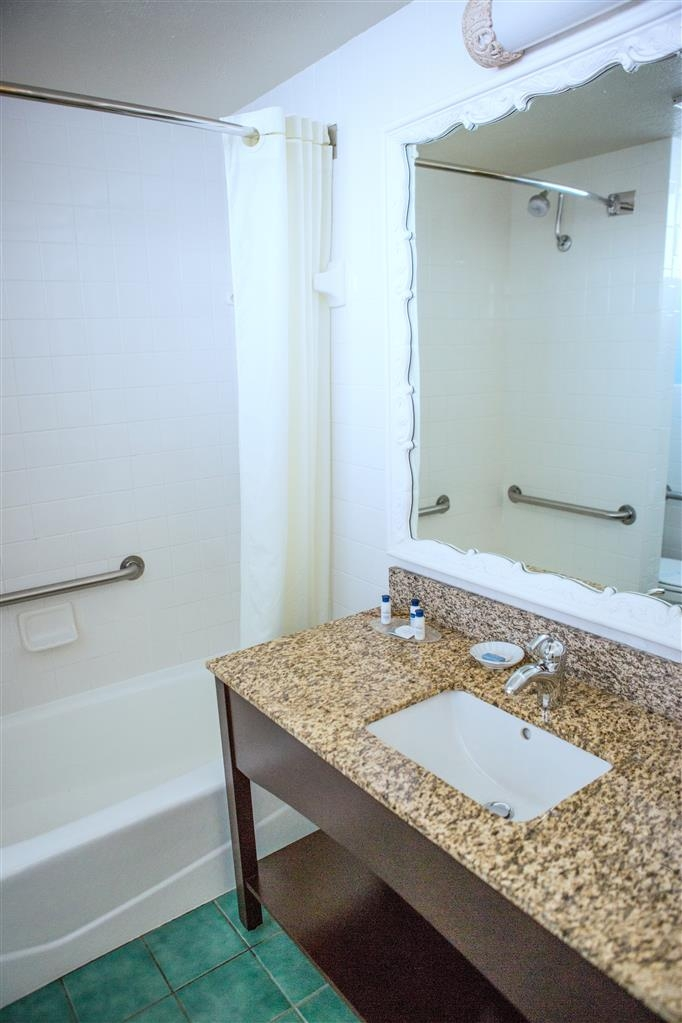 Best Western Plus Yacht Harbor Inn - Bagno