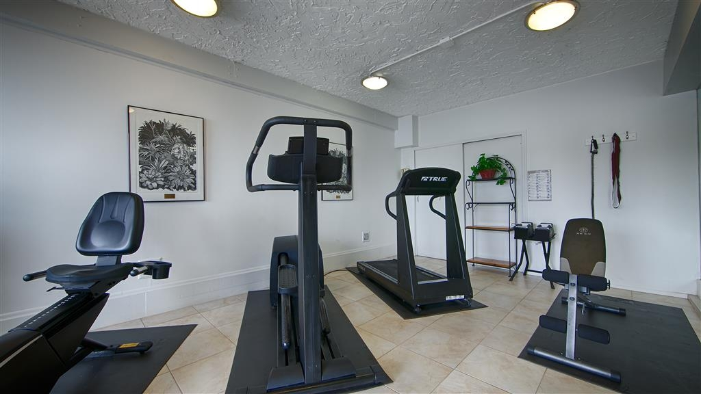 Best Western Plus Yacht Harbor Inn - Our fitness center allows you to keep up with your home routine even when youre not at home.