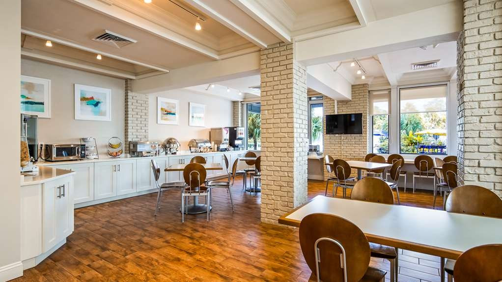 Best Western Plus Yacht Harbor Inn - Restaurant / Gastronomie