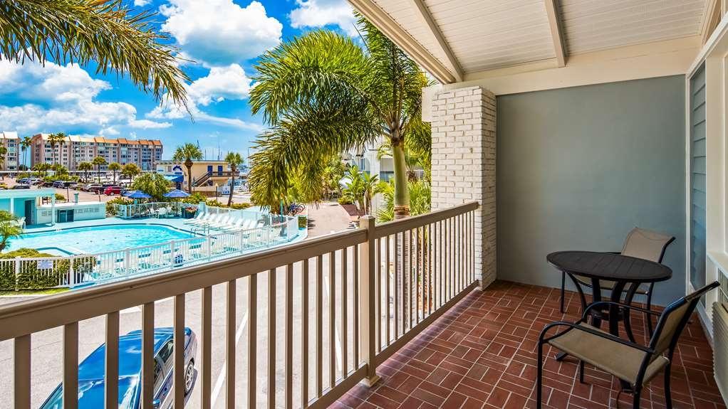Best Western Plus Yacht Harbor Inn - Guest Room View