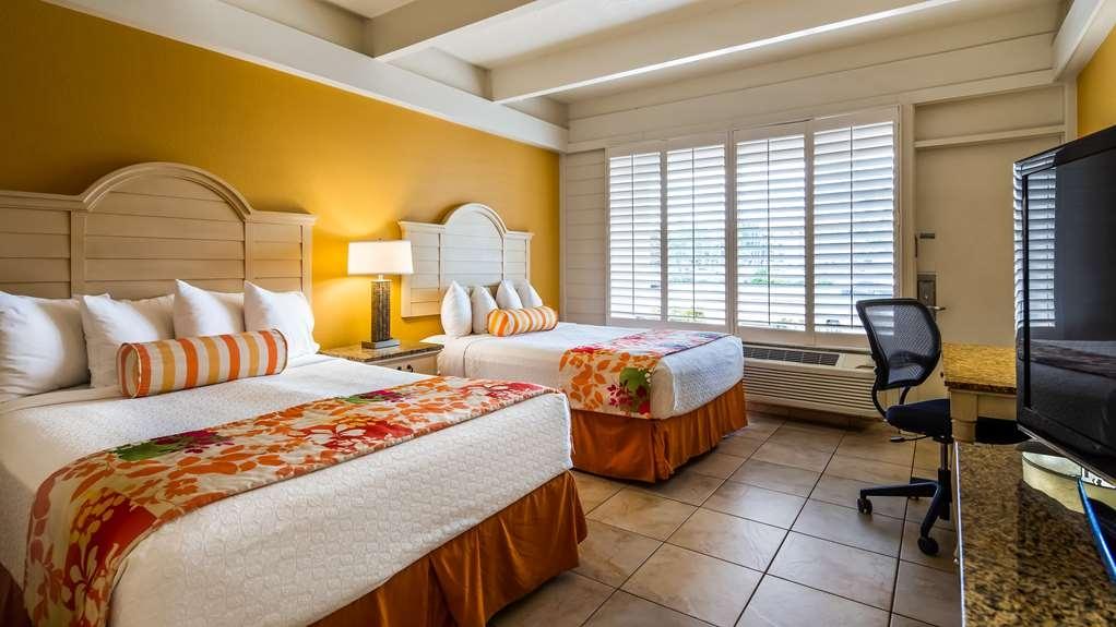 Best Western Plus Yacht Harbor Inn - Guest Room