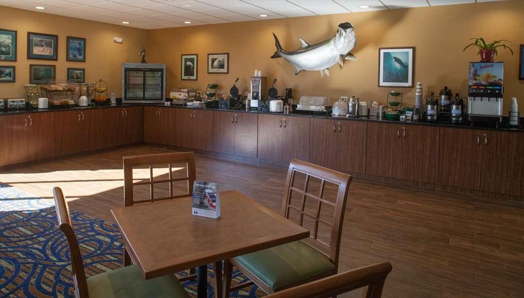 Best Western Crystal River Resort - Prima colazione a buffet