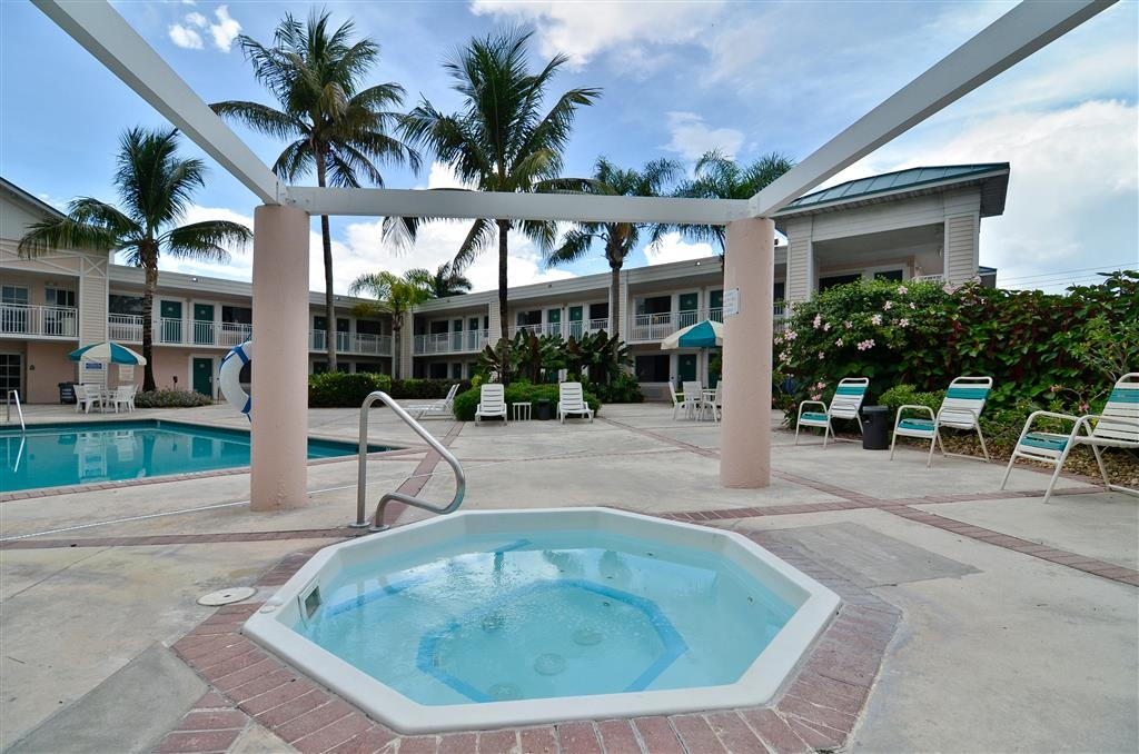 Best Western Gateway to the Keys - Relax at the only hot tub in town.