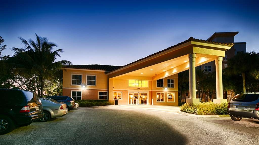 Best Western Intracoastal Inn - Façade