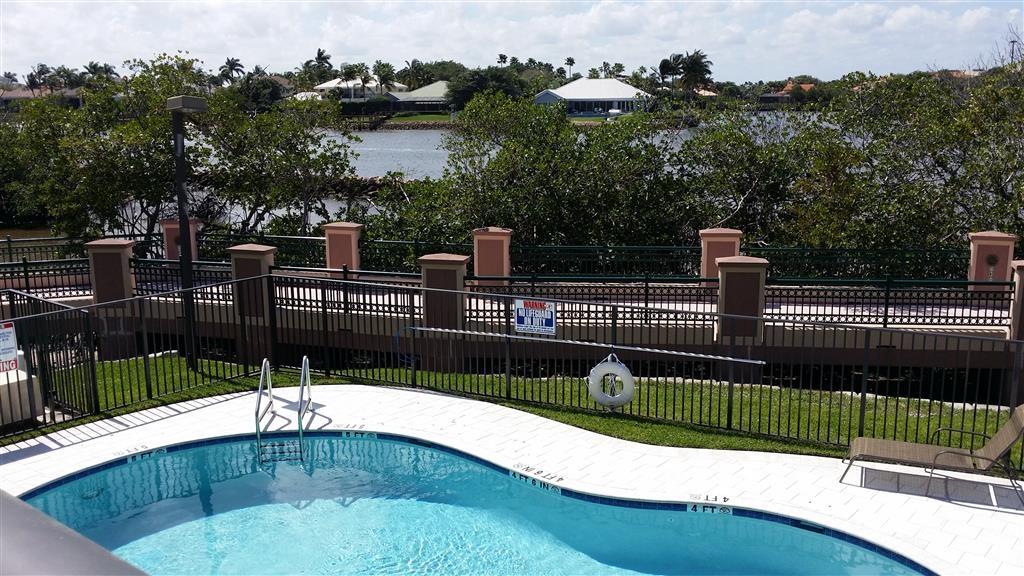Best Western Intracoastal Inn - Vista de la piscina