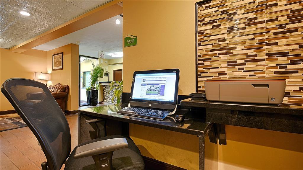 Best Western Apalach Inn - Manténgase al día en todo momento durante su viaje gracias al acceso gratuito a Internet de alta velocidad de nuestro centro de negocios.