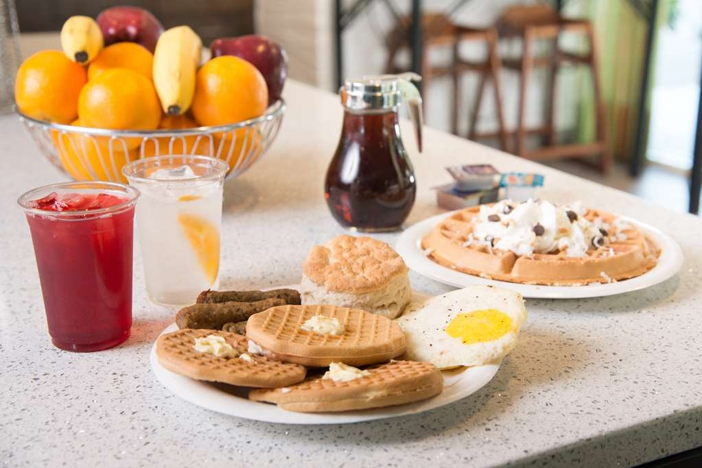Best Western Ft. Walton Beachfront - desayuno de cortesía