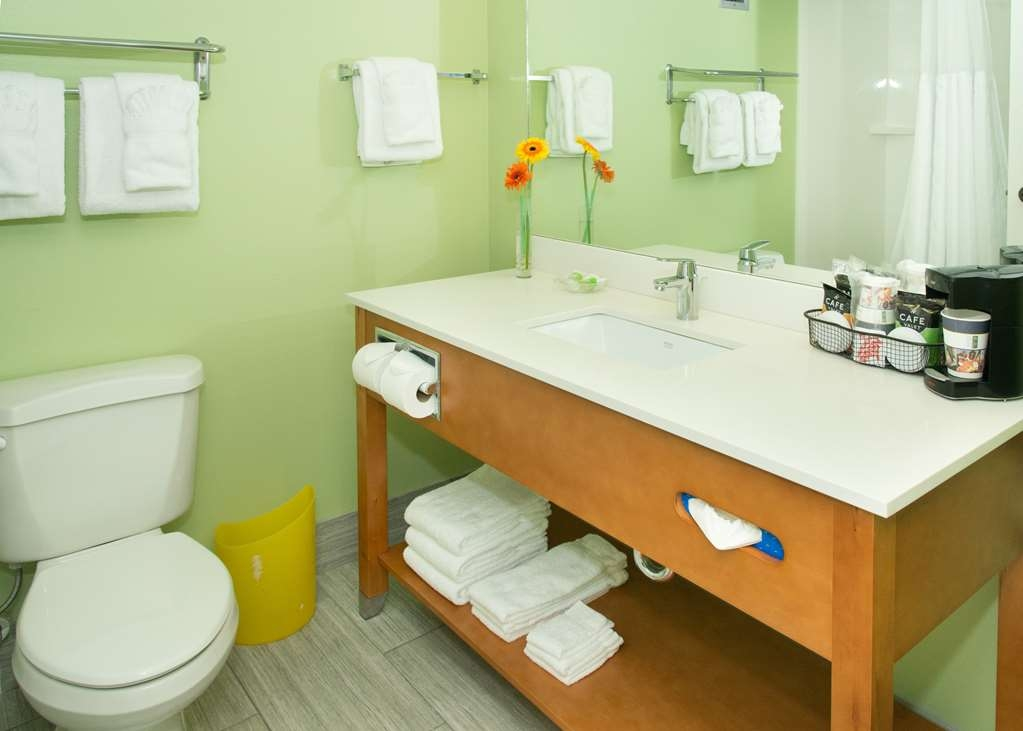 Best Western Ft. Walton Beachfront - Baño