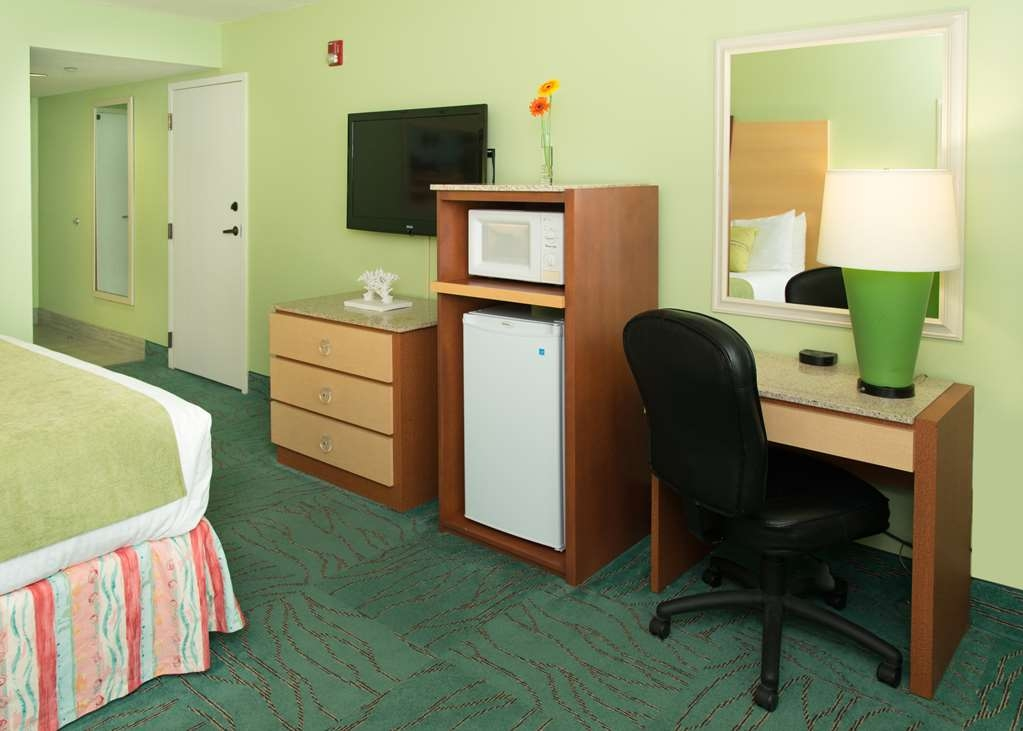 Best Western Ft. Walton Beachfront - Each of our guest rooms comes with a microwave and refrigerator.