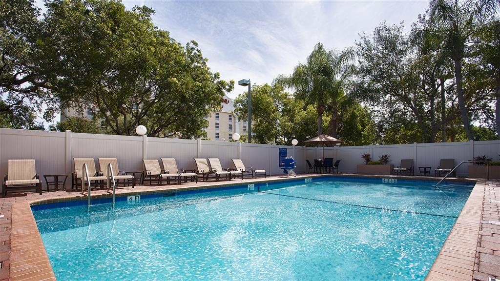 Best Western Fort Lauderdale Airport/Cruise Port - There is no better way to relax than in our heated outdoor pool.