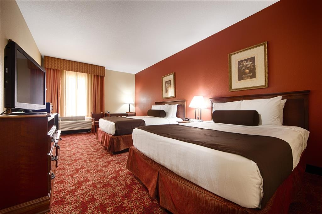 Best Western Fort Lauderdale Airport/Cruise Port - We offer a variety of 2 Queen bedrooms from standard to mobility accessible.