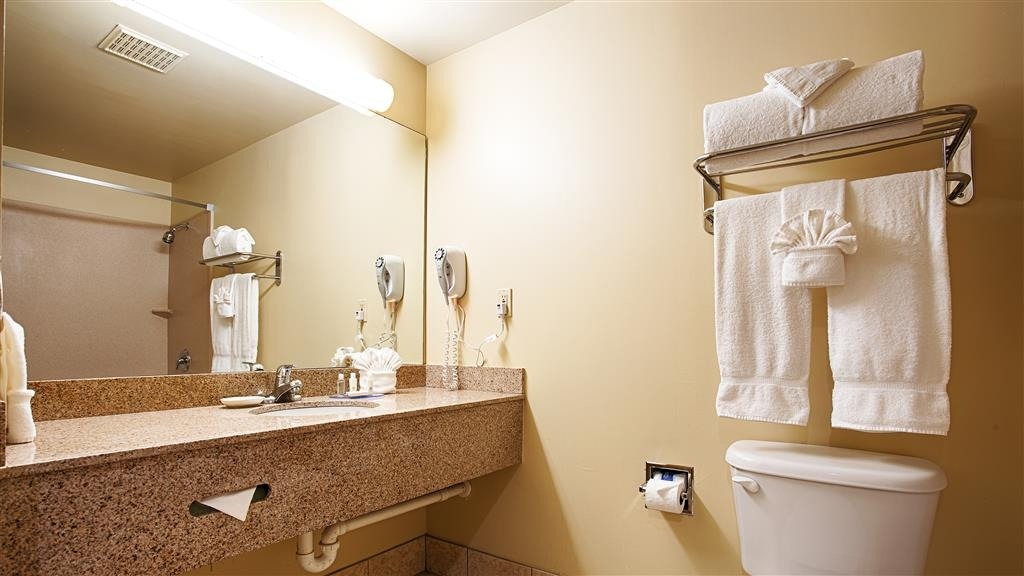 Best Western Fort Lauderdale Airport/Cruise Port - All guest bathrooms have a large vanity with plenty of room to unpack the necessities.