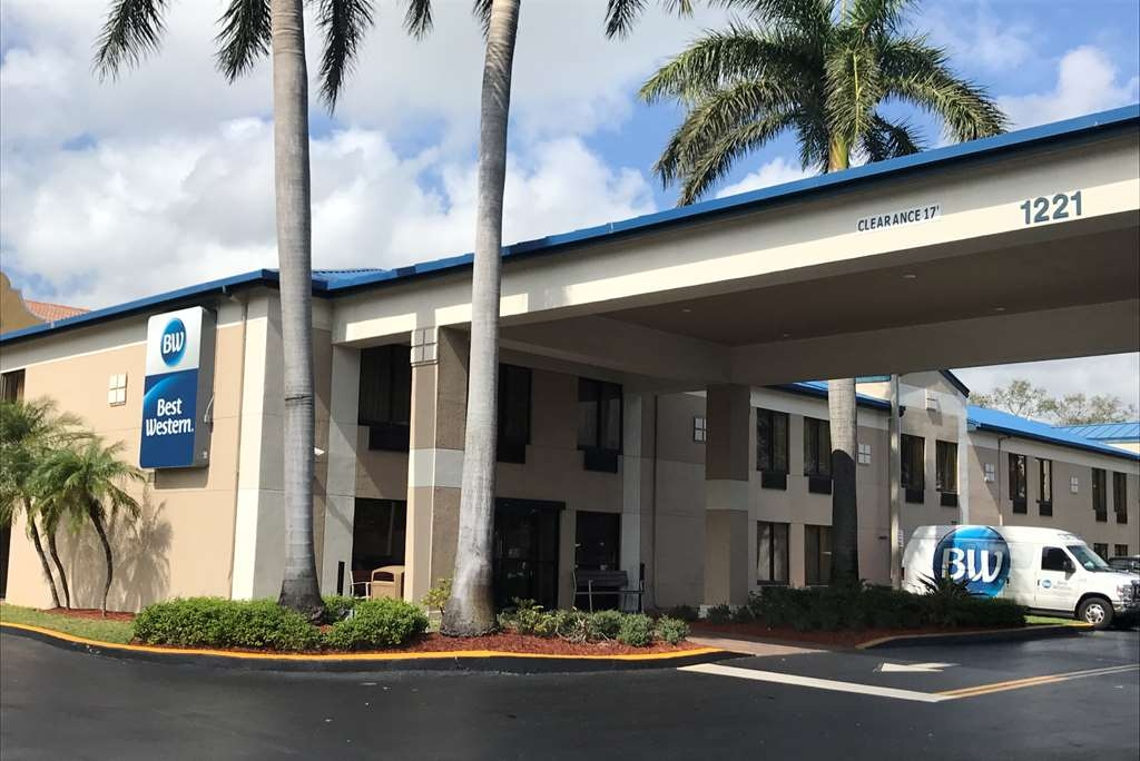 Best Western Fort Lauderdale Airport/Cruise Port - There's no better way to experience Fort Lauderdale than from the Best Western Fort Lauderdale Airport/Cruise Port.
