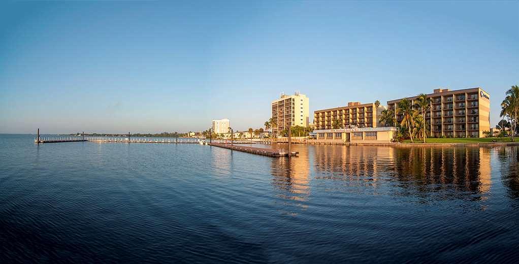 Best Western Fort Myers Waterfront - Vista exterior