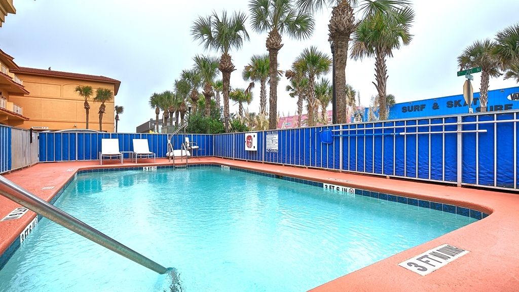 Best Western Oceanfront - Vista de la piscina