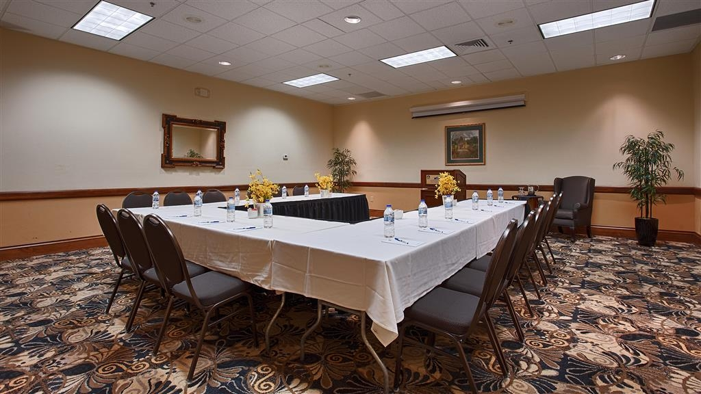Best Western Gateway Grand - Our meeting room is perfect for moderate sized gatherings, presentations or seminars.