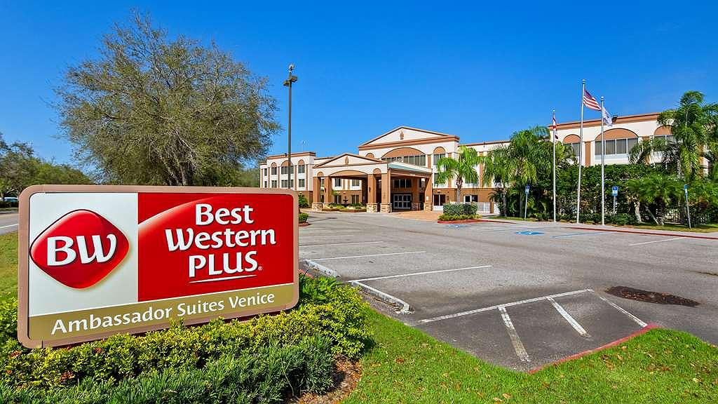 Best Western Plus Ambassador Suites Venice - Vista exterior
