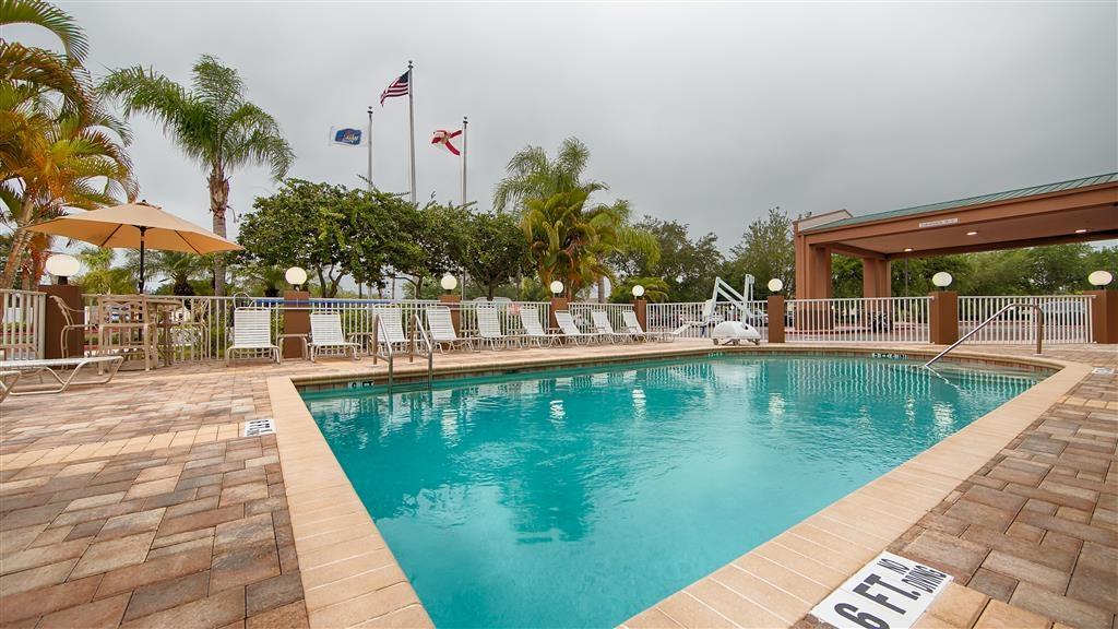 Best Western Plus Ambassador Suites Venice - Schwimmbad