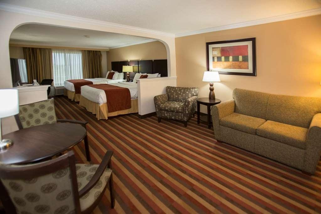 Best Western Plus Ambassador Suites Venice - Suite