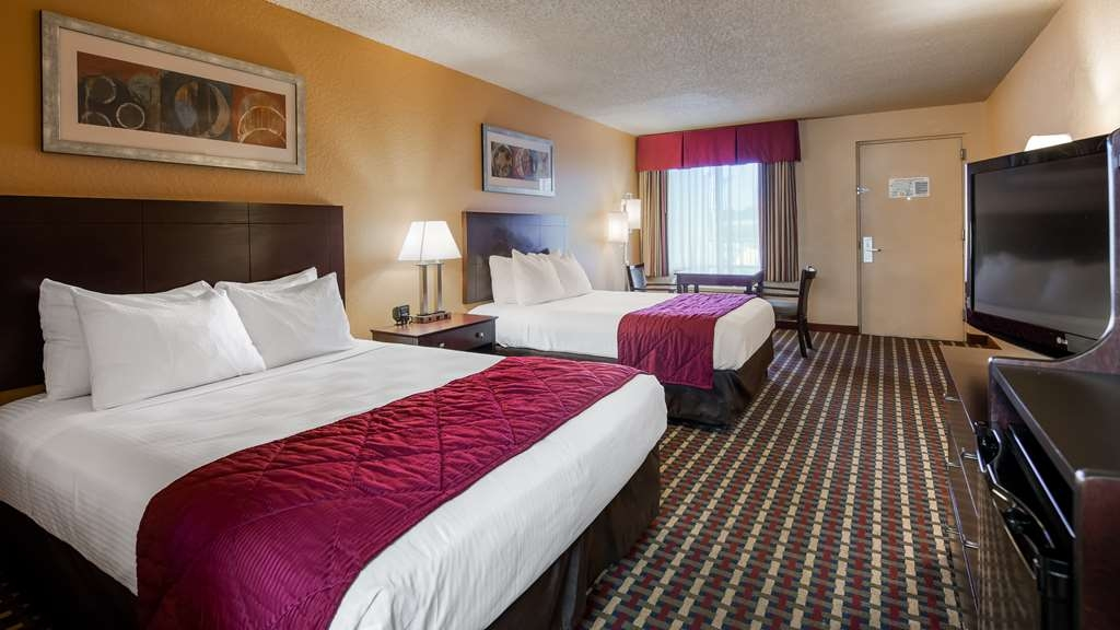 Best Western of Clewiston - Two Queen Bed refrigerator, microwave, in room coffee maker, iron, ironing board, free hot breakfast buffet