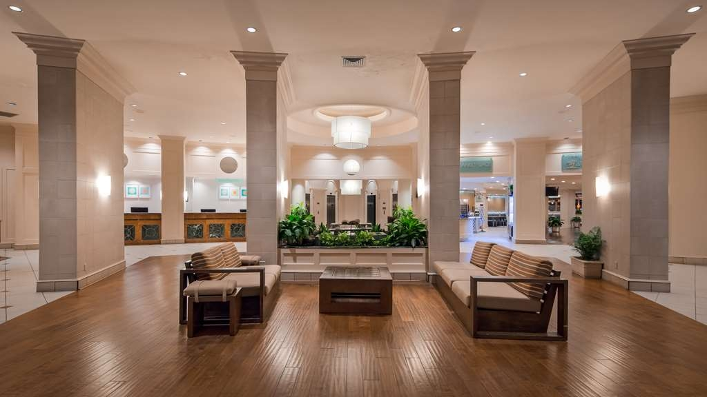 Best Western Lake Buena Vista - Disney Springs Resort Area - From the moment you enter our lobby, our 24-hour front desk staff will make you feel welcome.