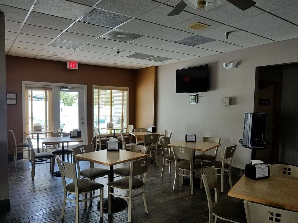 Best Western Ocala Park Centre - Choose from a wide selection for your morning meal located in the Club House.